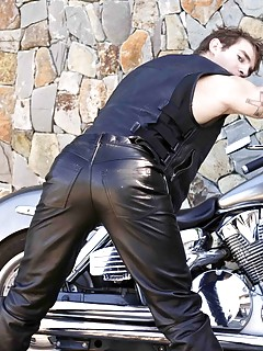 Gay Leather Porn